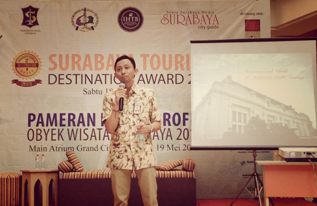 Presentasi  Gedung BI eks De Javasche Bank Surabaya sebagai nominasi Surabaya Tourism Award / photo taken with Samsung NX300