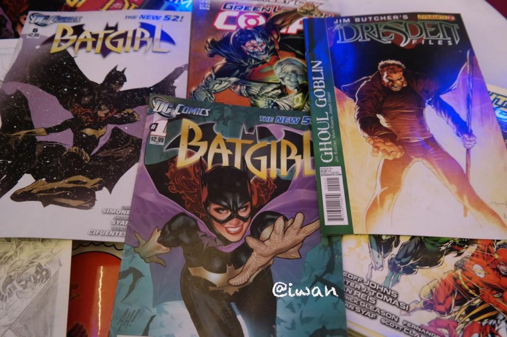 Beberapa Komik terbitan DC Comics yg sketsanya dikerjakan Ardian / photo junanti by Samsung NX300