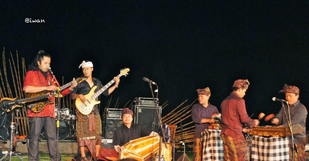 Balawan & Batuan Ethnic Fusion di Jazz Gunung 2013