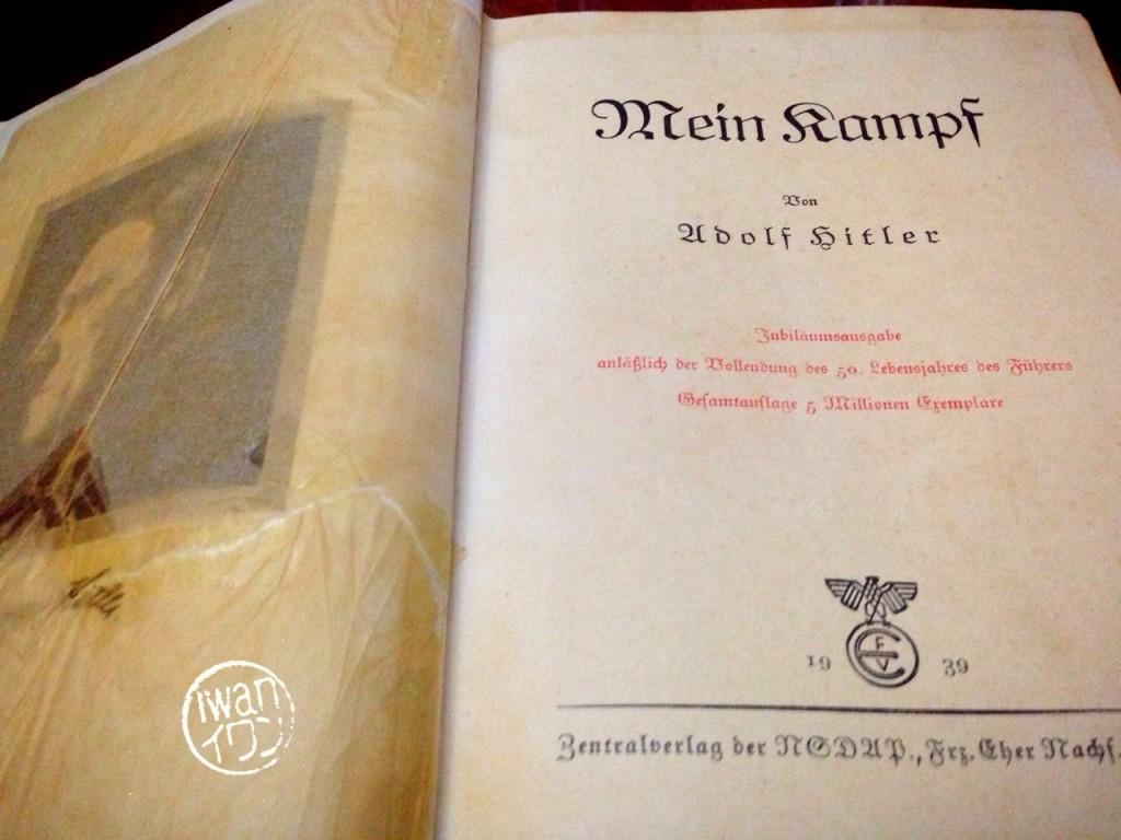 Buku Mein Kampf edisi langka
