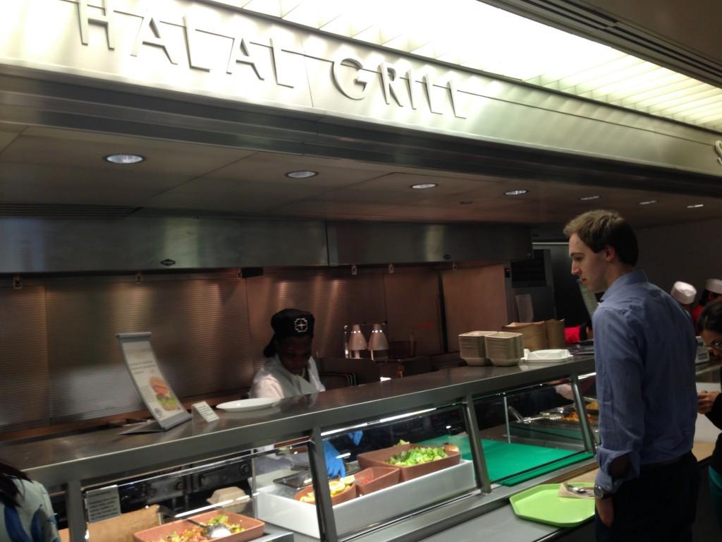 Sudut Halal Grill di Kantin Bank Dunia / photo junanto