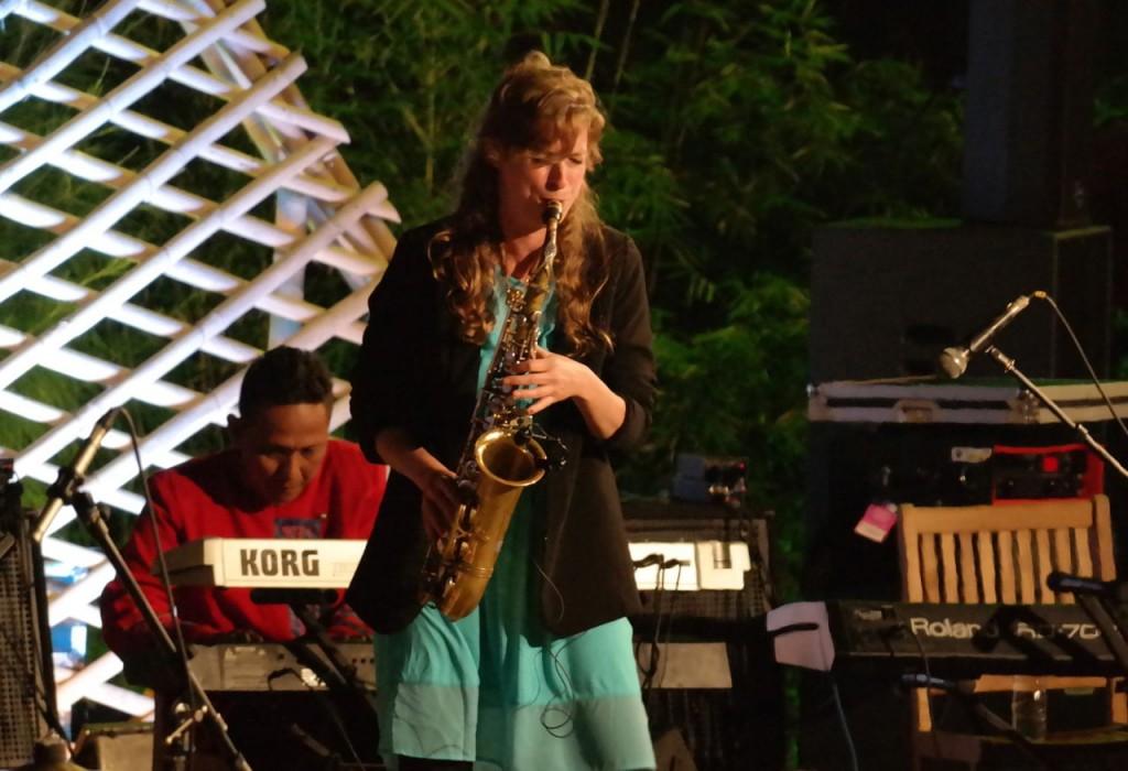 Nicole dengan Saxophonenya / photo Junanto