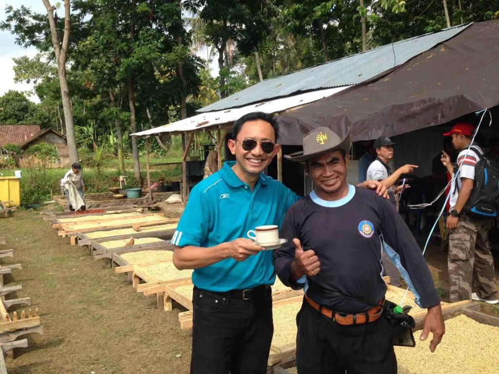 Bersama Mat Husen, Petani Kopi Sukses di Ijen Raung