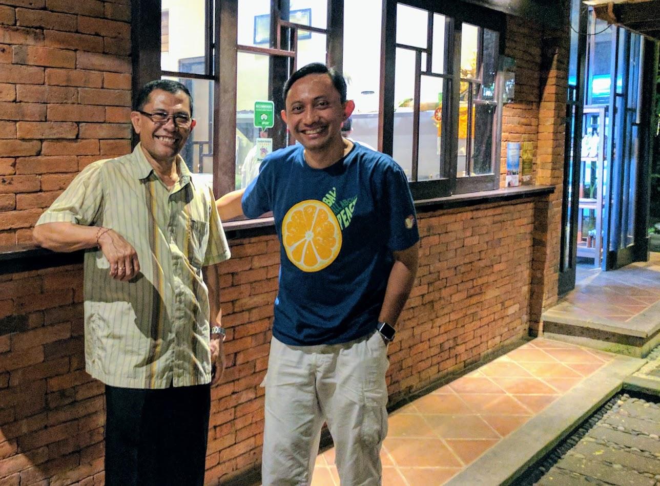 Bersama Chef Made di Restoran Moksa miliknya di Ubud, Bali